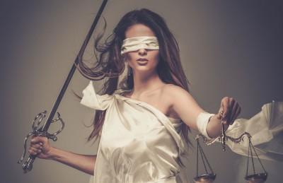 mujer-justicia
